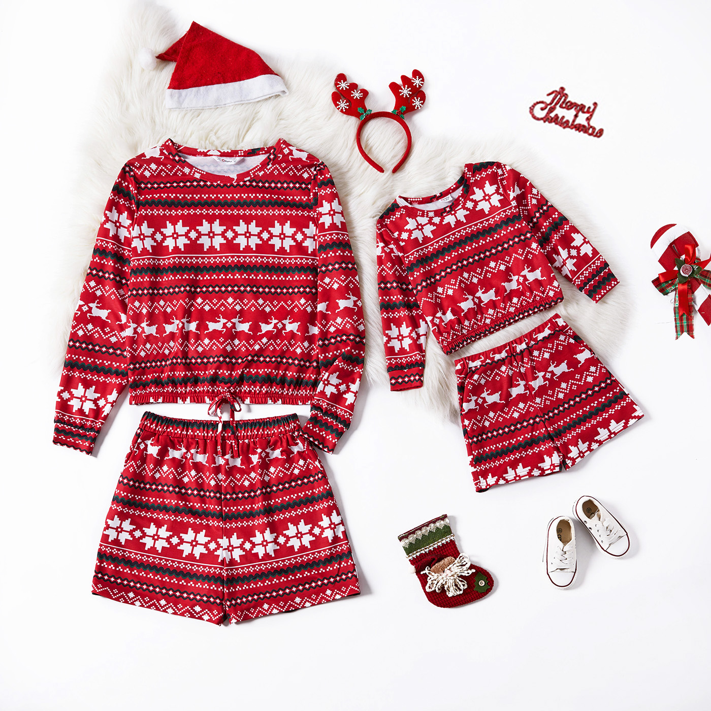 Christmas All Over Reindeer Print Long-sleeve Sweatshirts and Shorts Sets for Mom and Me